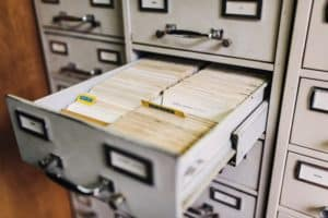 Storing last wills should be managed by the client.